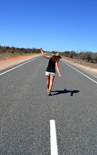 Bus sur Stuart Highway - Uluru Australie