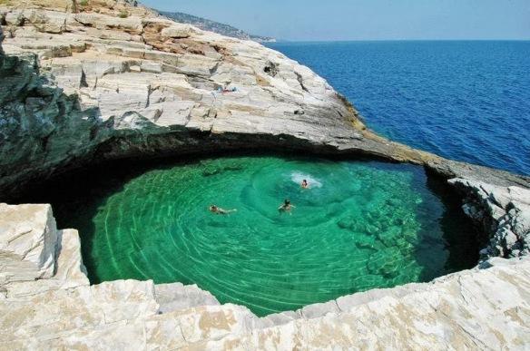 Giola Thassos, Gréce